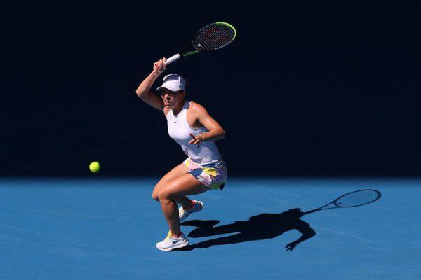 Simona Halep merge în semifinale