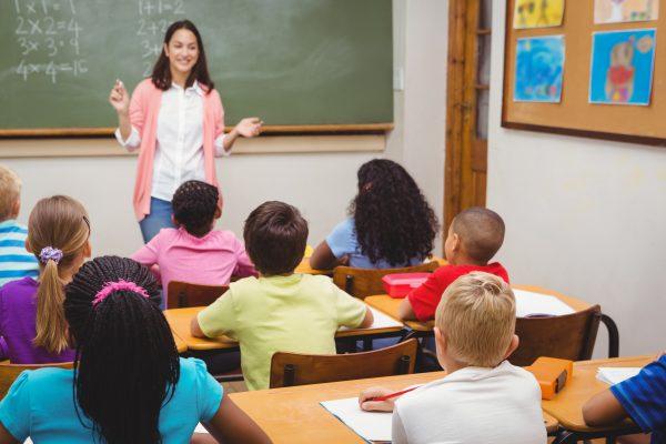 Va mai fi nevoie de profesori