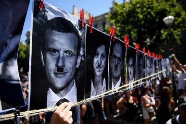 Macron că este întruchiparea lui Hitler